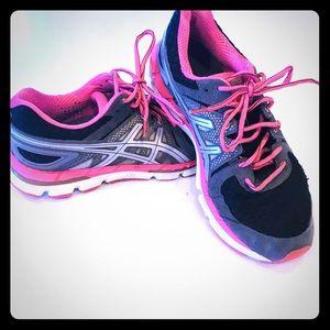 ASICS IGS Gel running shoe size 9